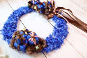 chocolate-blue-wreath