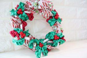 holly-christmas-wreath